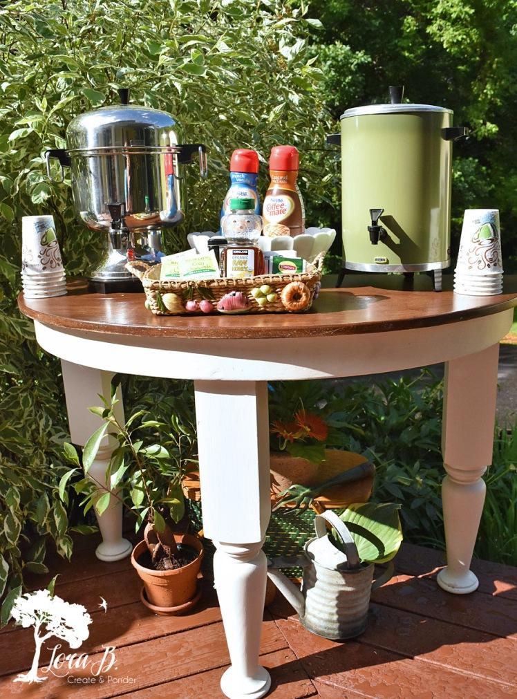 Beverage serving table