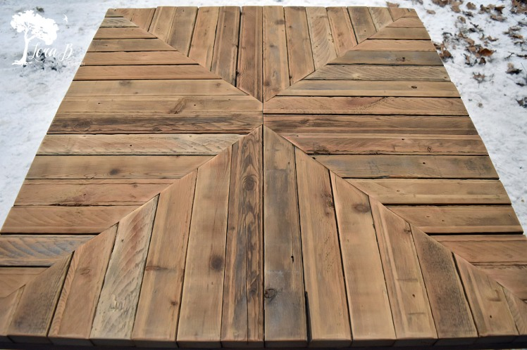 Pieced wood coffee table top